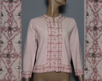 Vintage 1950s 60s Sweater//Pink// Iridescent Rhinestones//Faux Pearls//Seed Beads//Clear Beads//Designer Sweater//60s Femme Fatale Cardigan
