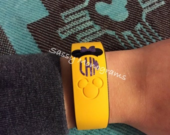 Glitter Magic Band 2.0 Mickey or Minnie Mouse Personalized Monogram Vinyl Decal