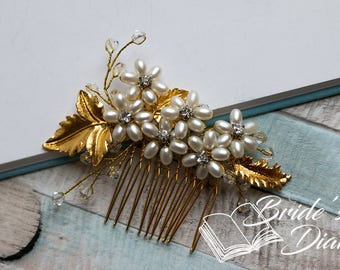 Wedding hair jewelry, golden hair comb with pearls, rhinestones and crystals, bridal comb