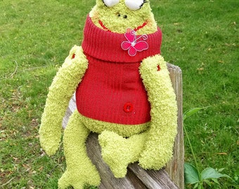 FROG soft toy Frog plush toy Frog stuffed animal Soft toys Green frog softie Soft toy frog Frog nursery decoreaster gift kids