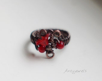 Flower and copper ring/ Wire wrapped ring/ Red glass beads