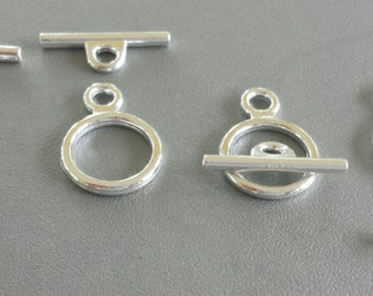 Set of 8 Silver Toned Toggle Clasps