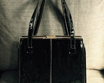 Vintage/Retro Black Patent Leather Gold Trimmed Handbag/Purse Multiple Compartments in VGC