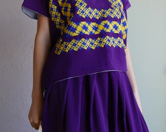 "Classic Tehuana costume Mexican trahe dark purple cadinnela gold embroidery boho Frida Kahlo - 26""W - Med/Large"