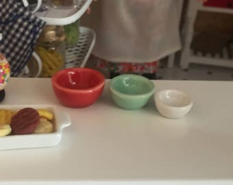 Miniature Nesting Bowls, Red, Green and White Ceramic Bowl Set, Dollhouse Miniature, 1:12 Scale, Dollhouse Accessory, Kitchen Decor