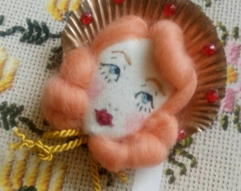 Hello Dolly!! Sea Shell Girls - Queen Scallop Shell Embroidered Doll Face Bow Brooch