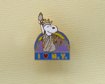 Aviva Vintage Snoopy as Statue of Liberty I Love New York Pin Enamel Cloisonne  1139