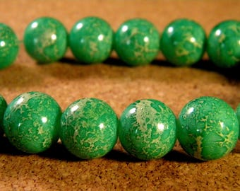 """10 pearls glass 12 mm-Green - PE181 """"reality"""""""