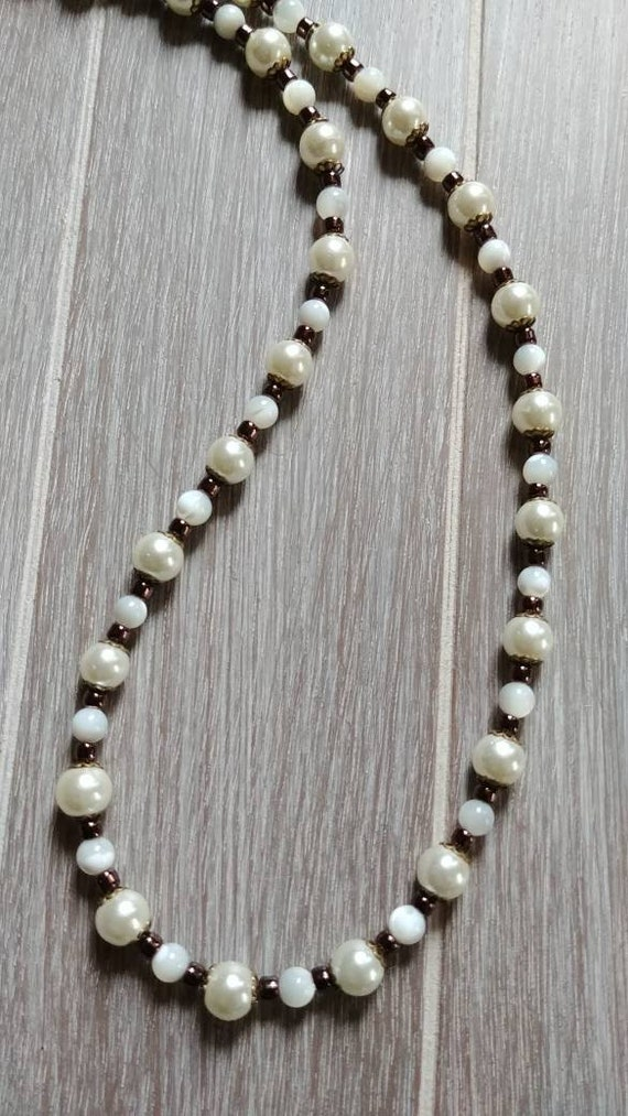Vintage Glasses Chain, Old World White Glass Pearl Eyeglass Chain