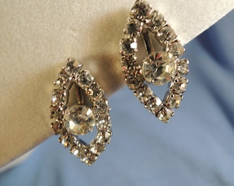 Rhinestone Earrings, Marquis screw backs, Vintage, Clear bright stones, Excellent condition, wedding, prom, glam, costume jewelry