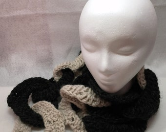 Scarf, Chain Scarf, Winter Scarf, Linked Circles, Chain Link, Neckwarmer, Circle Scarf, Crochet Scarf, Wool Scarf, Black, White