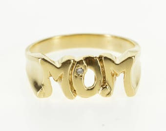 10k Diamond Inset Squared Mom Mother Word Band Ring Gold