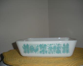 Vintage Pyrex Amish Butterprint Casserole Refrigerator Dish