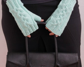 Hand knit women mittens mint for her pastel
