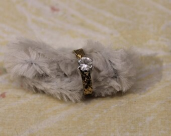 Pretty 14K HGE Golden With Silver Solitaire Ring - Sz 9