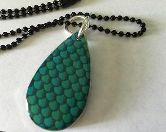 Blue raindrop necklace