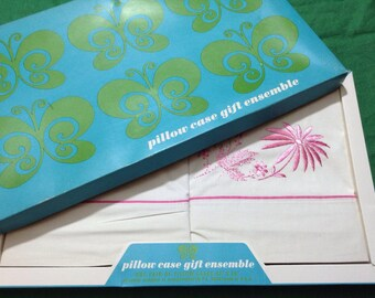 NOS Vintage Floral Pillowcase Gift Ensemble