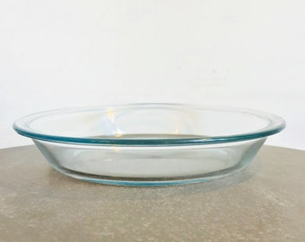 Vintage clear pyrex dish - shallow dish 140  - retro kitchen