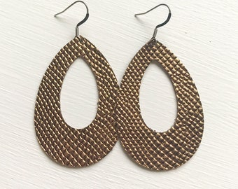 Hammered Copper Cutout Leather Earrings