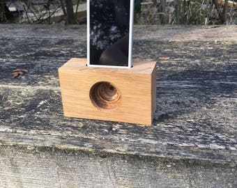Oak smartphone passive speaker amplifier