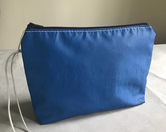 Recycled Sailcloth Toiletry Accessory Pouch - Navy
