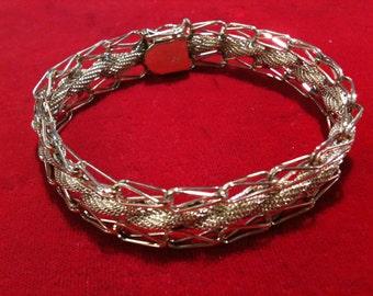 """14 k Yellow Gold Beautiful Bracelet  19.2 gm, 7 1/2"""" Long. free shipping."""