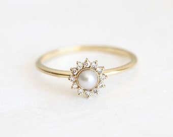 White Pearl Ring, Diamond Halo Ring, Pearl Engagement Ring, Pearl And Diamond Ring, Gold Pearl Ring, Freshwater Pearl Ring Gold, Pearl Ring