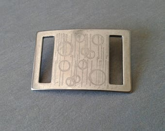 Accessory from decorative etched metal