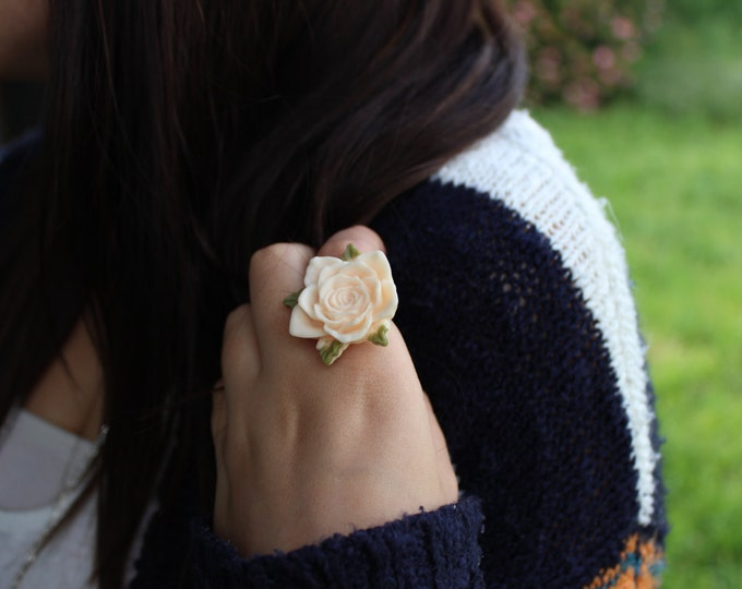 Adjustable Cream Flower Cocktail Ring.