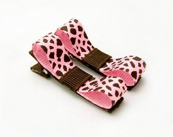 Giraffe Tuxedo Bows, Animal Print Giraffe Clips, Pink and Brown Giraffe Clippies