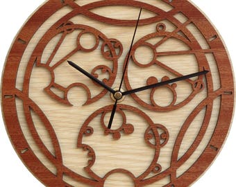Custom Gallifreyan Clock with your Name - Doctor Who Clock in Wood - Inspired by Doctor Who