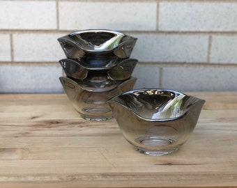 Set of 4 vintage silver ombré glass bowls- Vitreon Queen's Lustreware - Mercury Fade - 1960s barware