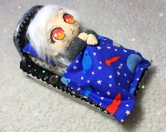 READY TO SHIP, Sleeping Dolly 3ds Xl Case