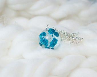 Blue Flower Necklace, Blue Flower Jewelry, Dried Flower Necklace, Dried Flower Jewelry, Resin Jewelry, Real Flower Jewelry, Real Flower
