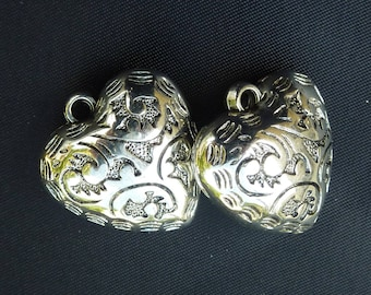"""Silver 2 """"heart charm"""" decorated 25x27mm"""