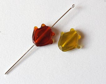 2 glass beads fish color red and yellow 20 mm x 18 mm