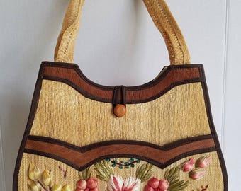 Gorgeous Vintage Floral Straw Shoulder Bag...Perfect for Summer