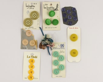1950/60/70 Colorful Button Selection on Cards