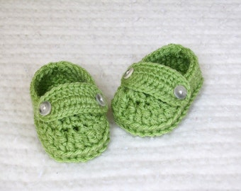 Crochet baby loafers, green baby loafers, baby booties, green baby booties, 3 to 6 months