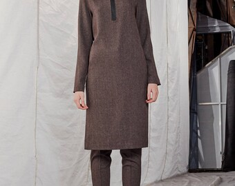 Minimalist dress / Straight cut dress / Dress with zipper / Minimal design / Slim fit dress / Long sleeve dress / Sustainable clothing
