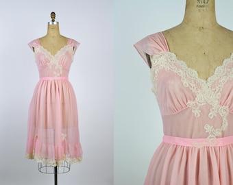 60s Pale Pink Nightgown Slip Dress / Pink Slip / Wedding Slip/ Lace Lingerie/ Pin up / Bridal / 50s /Vintage Nightgown / Boudoir/ Size S/M