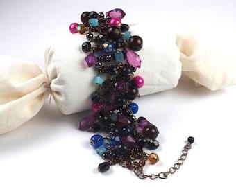 Vintage bracelet-Cha cha bracelet-charm bracelet-glass beads-lilac, pink, blue, black-1970s