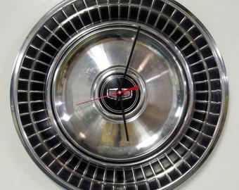 1976 Ford Maverick Hubcap Clock - 1971 - 1977 Mercury Comet Wall Clock - Classic Car Hub Cap Clock - 1972 1973 1974 1975