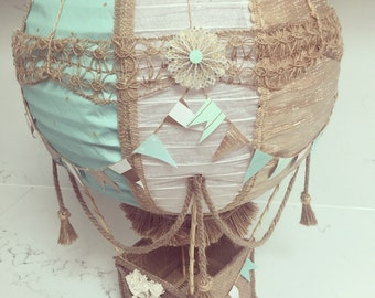 Hot air balloon vintage, gold and mint
