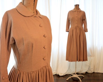 Vintage 1950s woven camel colored wool button up shirt dress long sleeve peter pan collar 50s