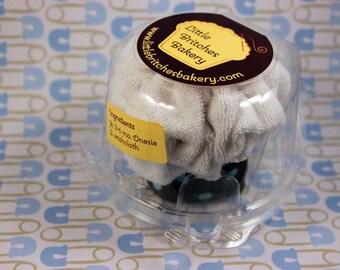It's a boy: single pack onesie cupcake, baby shower gift