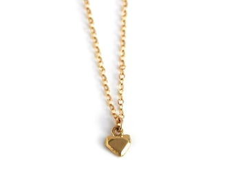 Heart Pendant Necklace, Dainty charm necklace, Heart Necklace, Gold Minimalist Necklace, Small Pendant Necklace, Gift For Her, Love Necklace