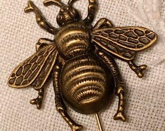 Bee Brooch- Bee Gift, Bee Lover, Bee Jewelry, Bee Pin, Bee Accessory, Bee, Accessories, Gardener Gift, Honey Bee, Bee Decor