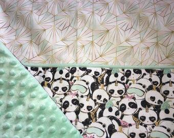 Cover /plaid panda pattern.