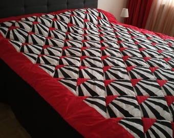 Quilt, black, red, white. 220cm X 180 cm